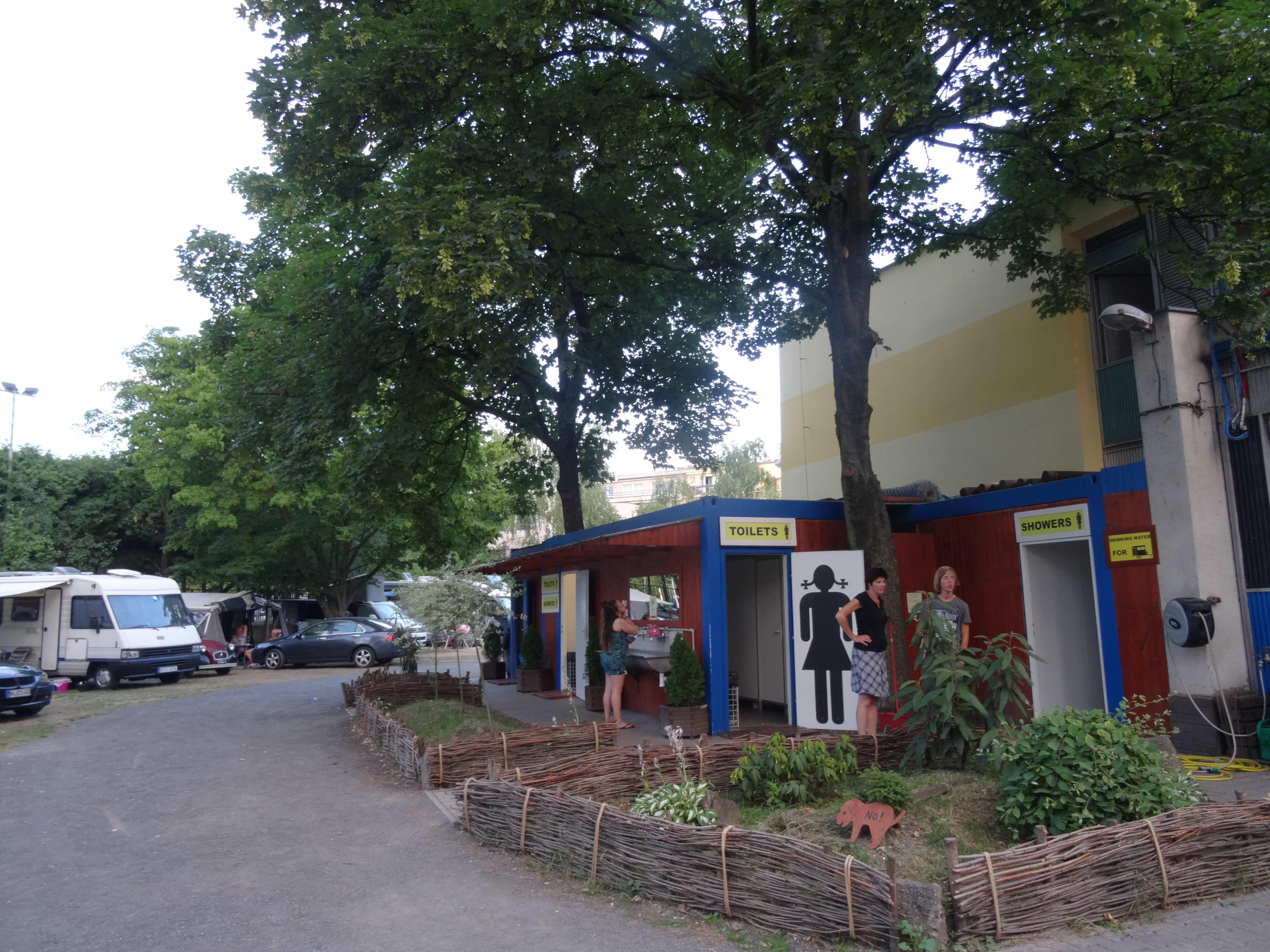 Sanitair, camp Zizkov, Praag
