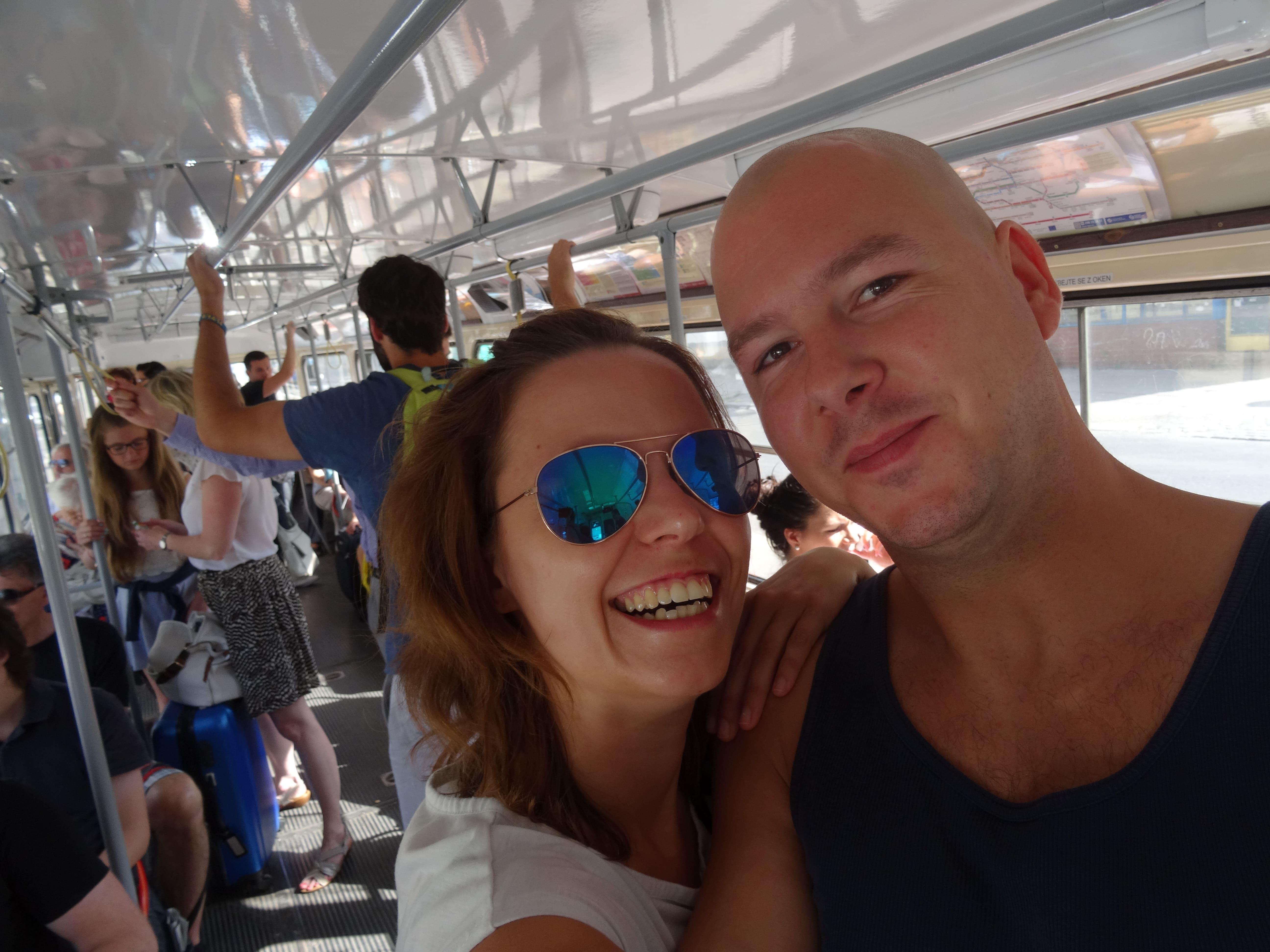 Selfie in de Praagse tram