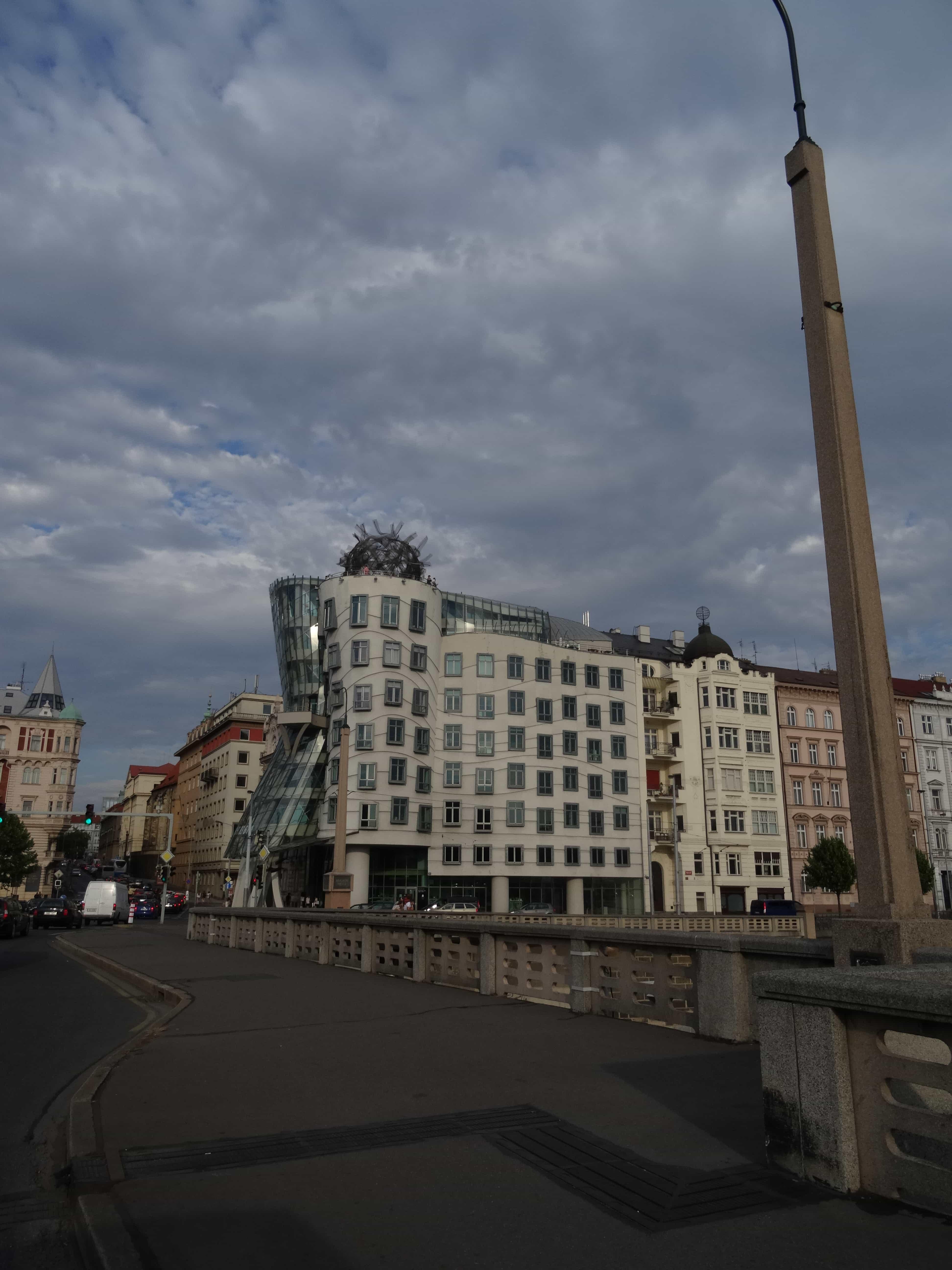 dansende gebouwen frank ghery