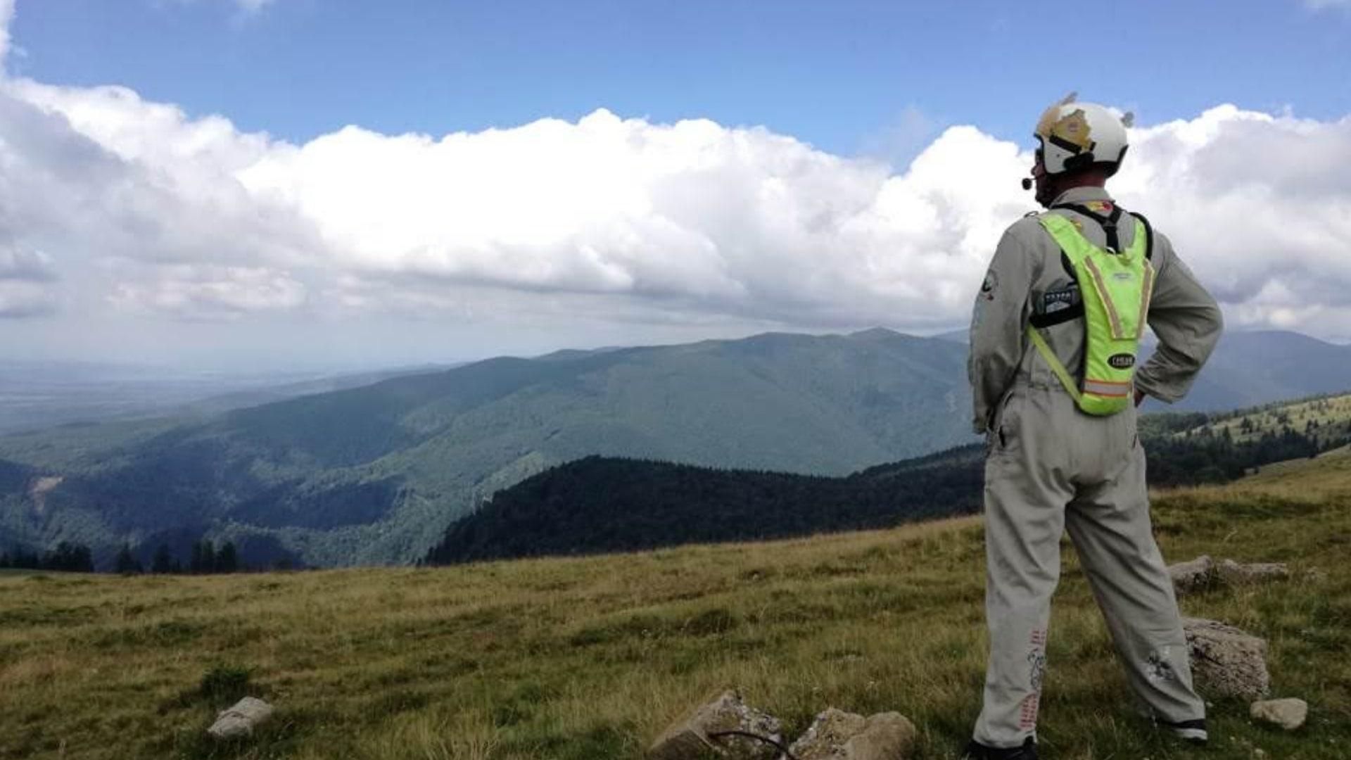 Bert op een berg in Roemenie